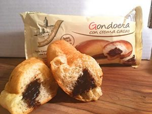 Chocolate cream filled croissants - 6 snack cakes Image
