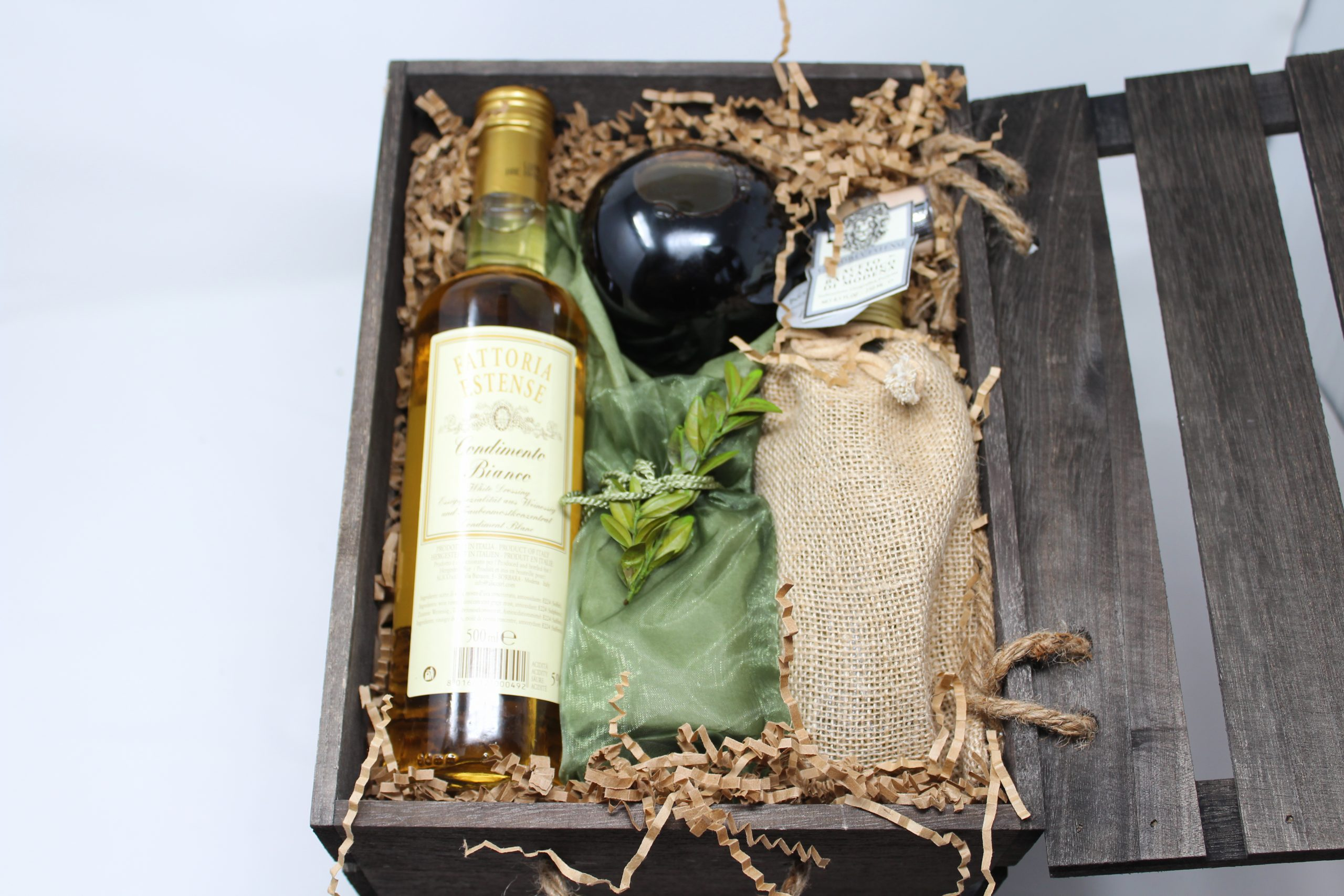 Balsamic Vinegar and Olive Oil Gift Set in Gift Crate Image